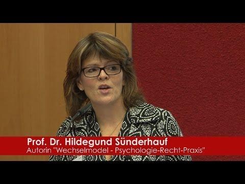 """Forschungsergebnisse zum """"Wechselmodell"""" - Prof. Dr. jur. Hildegund Sünderhauf im Vortrag"""
