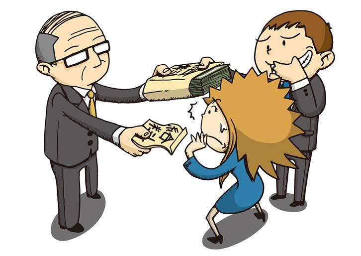 Der Arbeitgeber zahlt angestellten Männer mehre als Frauen.